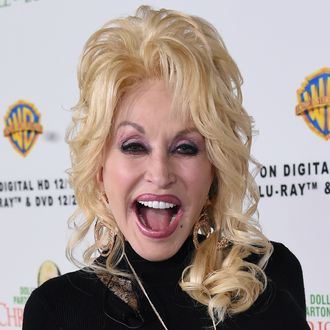 dolly parton the shining star on top of americas dry sparse tree joins pentatonixs christmas special