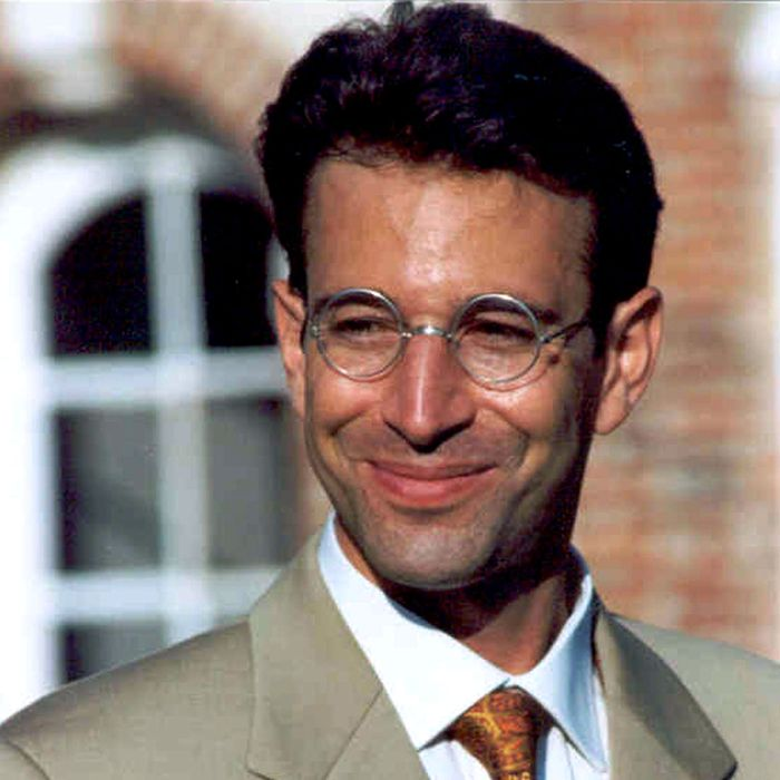 This is an undated file photo of Wall Street Journal reporter Daniel Pearl who disappeared in the Pakistani port city of Karachi 23 January 2002 after telling his wife he was going to interview an Islamic group leader. US Federal Bureau of Investigation (FBI) agents arrived in Pakistan 28 January 2002 to join the search for Pearl, who they believed to have been kidnapped, police sources said.
