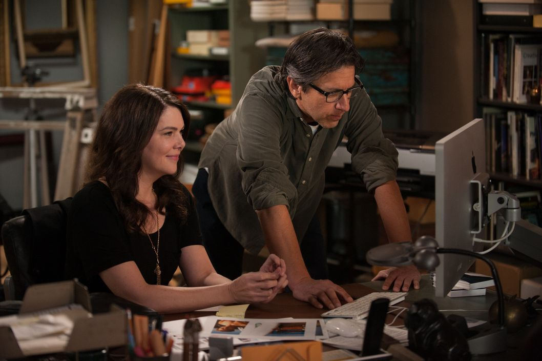"PARENTHOOD -- ""Just Like at Home"" Episode 515 -- Pictured: (l-r) Lauren Graham as Sarah Braverman, Ray Romano as Hank Rizzoli -- (Photo by: Colleen Hayes/NBC)"