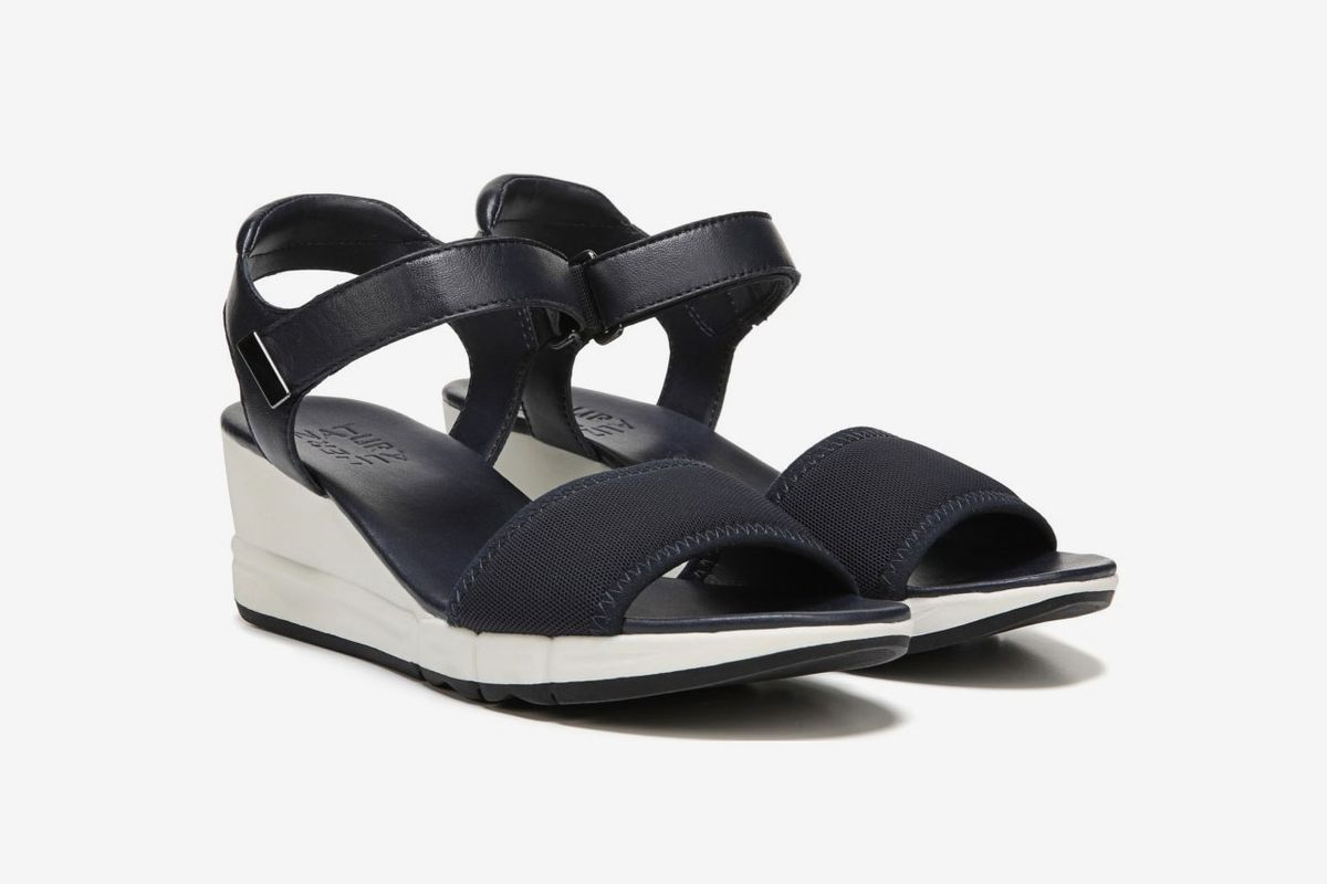 10 best wedge sandals for wide feet
