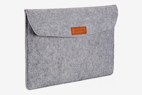 AmazonBasics 15.4-Inch Felt MacBook Laptop Sleeve Case — Light Gray