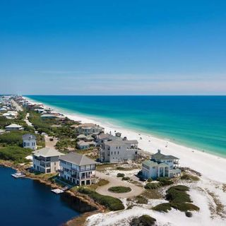How to Have the Best Late-Fall Weekend on the Emerald Coast