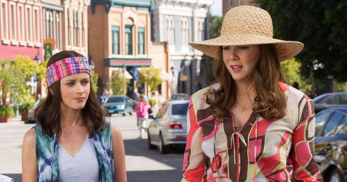 gilmore girls gets a thanksgiving weekend premiere date and first teaser. Black Bedroom Furniture Sets. Home Design Ideas