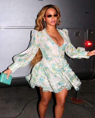 85ef9a5875d 13 Dresses Like Beyoncé s From the Wrinkle in Time Premiere
