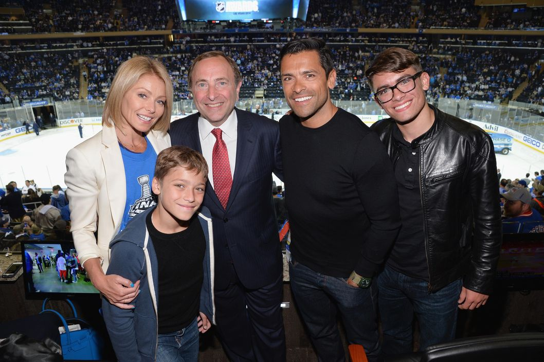 NEW YORK, NY - JUNE 09: (L-R) Actress/talk show host Kelly Ripa, Joaquin Antonio Consuelos, Commissioner of the National Hockey League Gary Bettman,  Actor Mark Consuelos, and  Michael Joseph Consuelos attends game 3 of the 2014 NHL Stanley Cup Final at Madison Square Garden on June 9, 2014 in New York City.  (Photo by Mike Coppola/Getty Images)