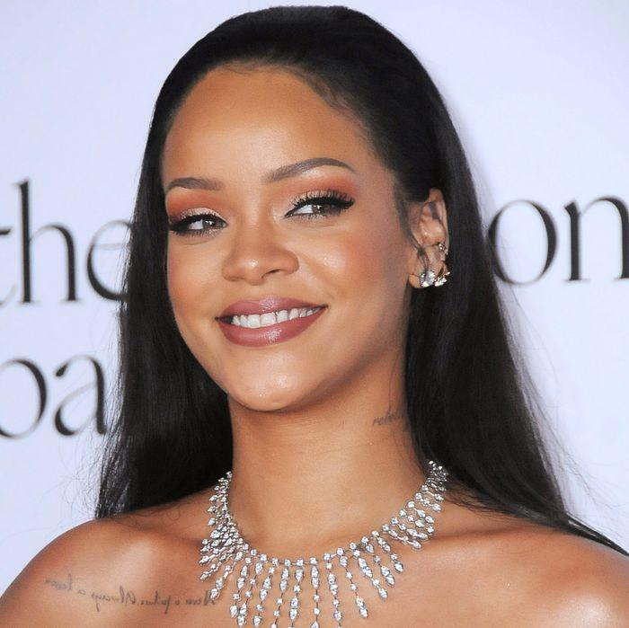 Snack queen Rihanna.