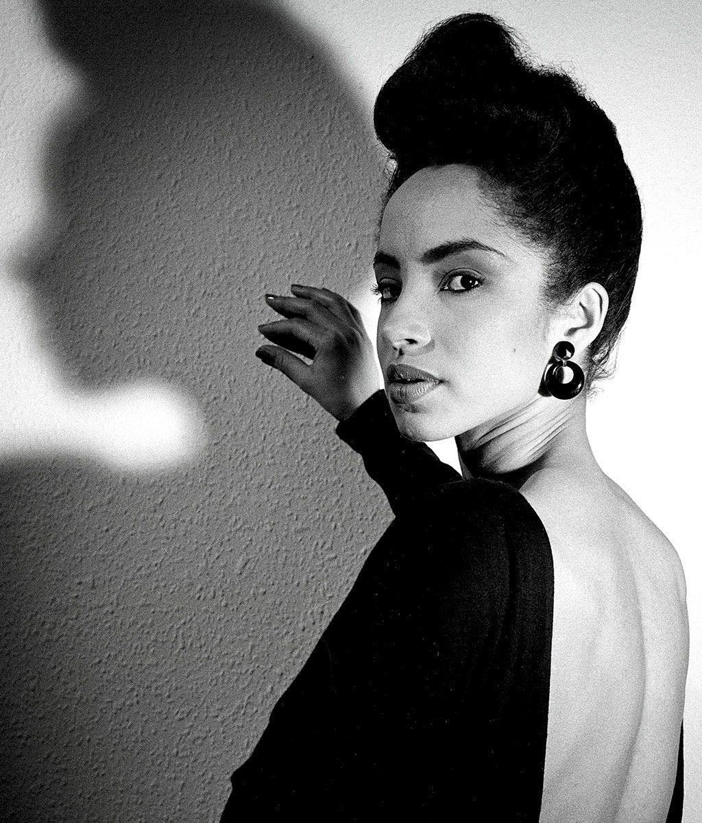 Sade - Singer, Songwriter - Biography