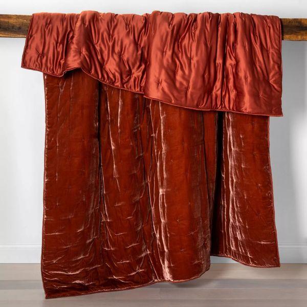 Opalhouse Velvet Tufted Stitch Quilt
