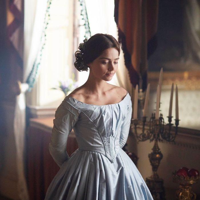 VictoriaOn MASTERPIECE on PBS*SPECIAL TWO-HOUR PREMIERE*SUNDAY, JANUARY 15, 2017 AT 9PM ETContinues Sundays, January 22 – February 19, 2017 at 9pm ETSeason Finale on Sunday, March 5 at 9pm ETEpisode One –