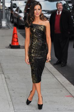 "Actress Kate Beckinsale enters the ""Late Show With David Letterman"" taping at the Ed Sullivan Theater on January 10, 2012 in New York City."