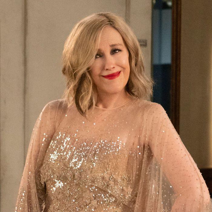 Schitt's Creek Recap, Season 5, Episode 4: 'The Dress'