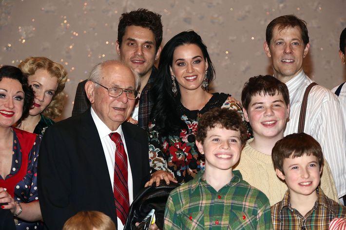 Katy Perry, John Mayer, John's dad Richard, and child actors.