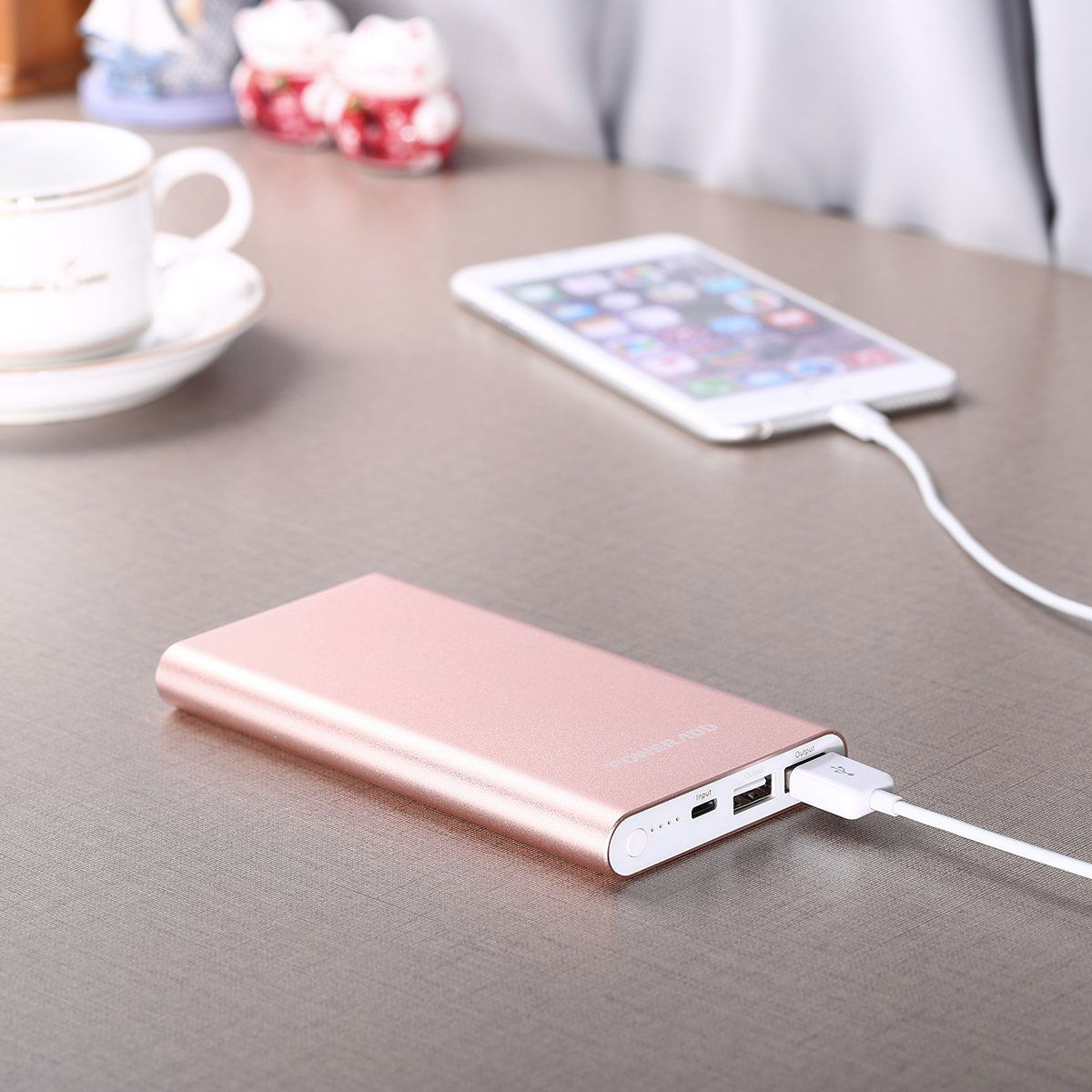 Best Gifts For College Students Who Are Studying Abroad Apple Lightning 12000mAh Portable Charger