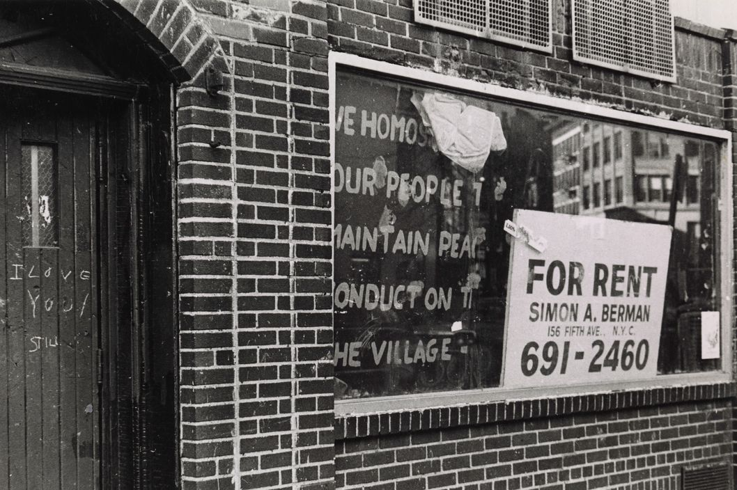 Stonewall Inn w/for rent sign. Source: NYPL #1582252.