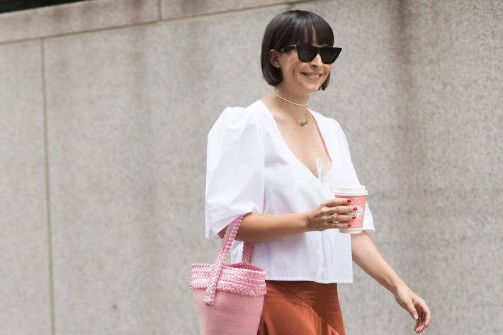 10 white shirts for women to wear to work for Dingy white t shirts