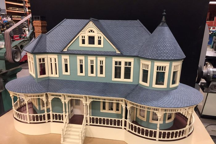How Sharp Objects Built Ammas Creepy Dollhouse