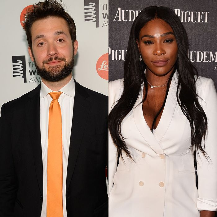 Picture Of Serena Williams Engagement Ring: Serena Williams Happily Shows Off Engagement Ring