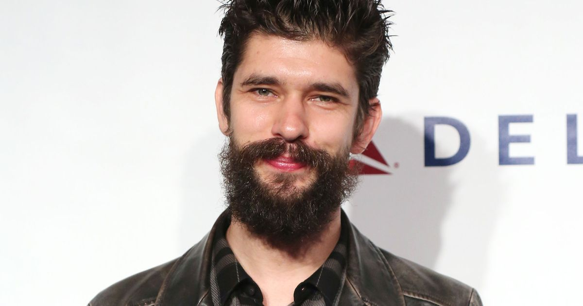 Ben Whishaw in Talks t...