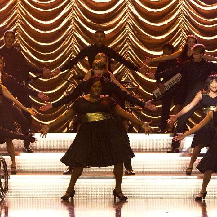 GLEE: New Directions perform in the