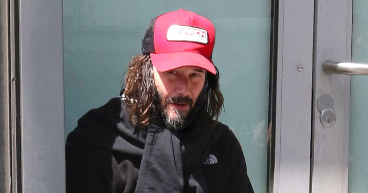 Keanu Reeves Pictured Smoking Shoeless in Black in Brooklyn 8e82031e0df9