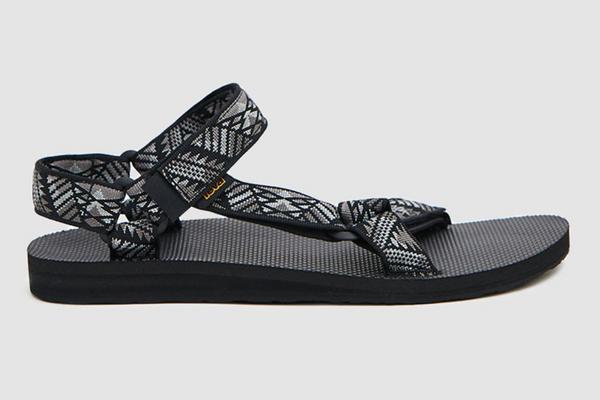 Teva Original Universal Sandal in Boomerang Black