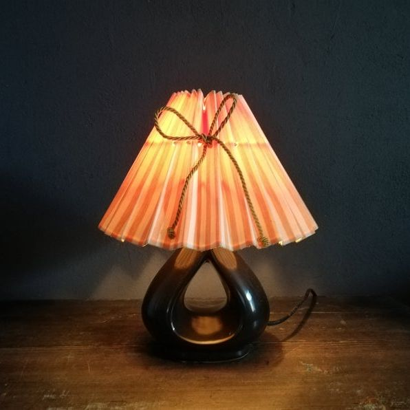 Table Lamp With Pleated Lampshade