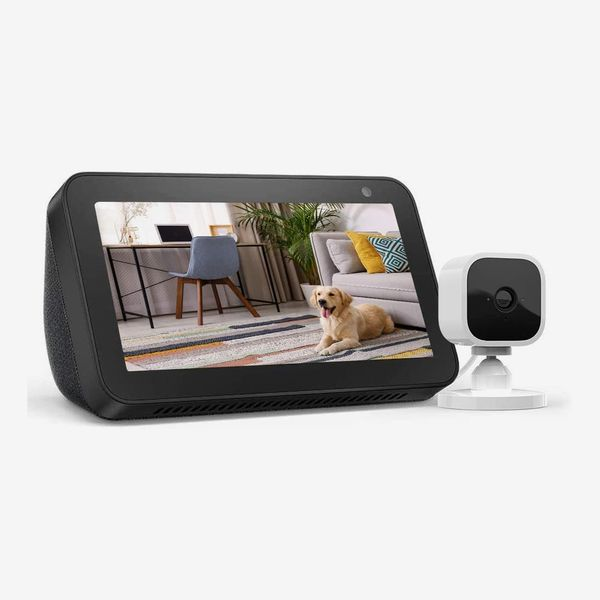 Amazon Echo Show 5 Bundle with Blink Mini Indoor Smart Security Camera