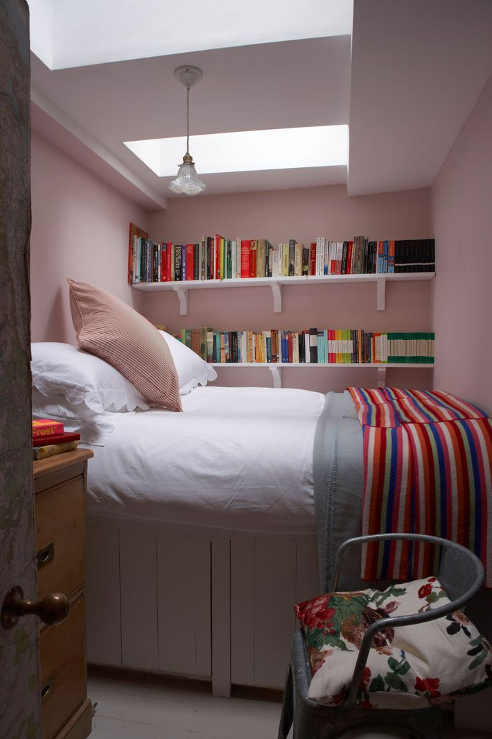 The 5 Prettiest Colors to Paint Your Bedroom