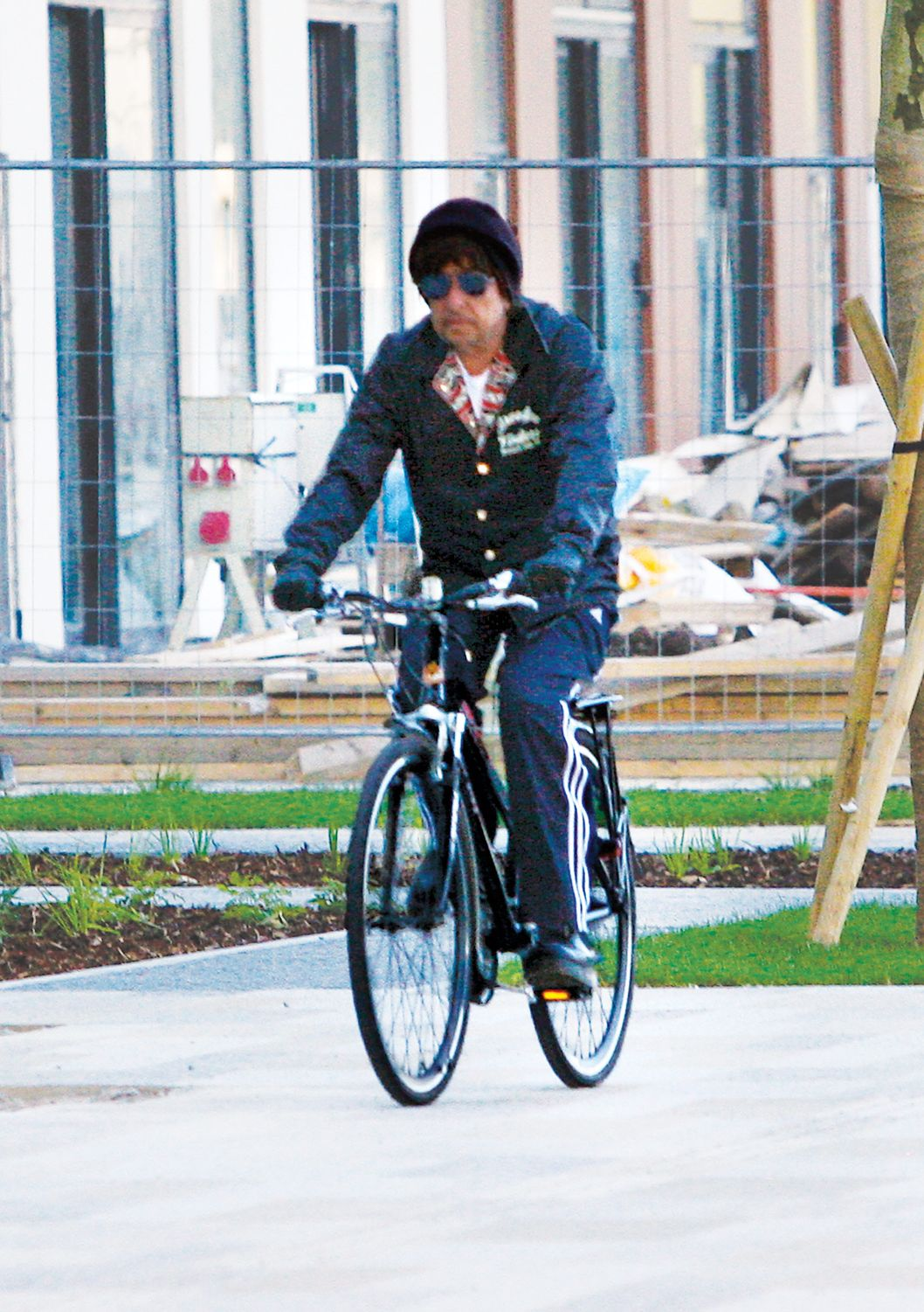Exclusive... 5178467 ****USA, CANADA, AUSTRALIA, NEW ZEALAND ONLY**** Exclusive... Singer Bob Dylan looks a little bit down while doing a little biking along the waterfront of river Dunaj during his day off in Bratislava (Slovakia), Germany on June 8, 2010. Bob Dylan performed on June 9, 2010. FameFlynet, Inc - Beverly Hills, CA, USA - +1 (818) 307-4813 RESTRICTIONS APPLY: USA ONLY