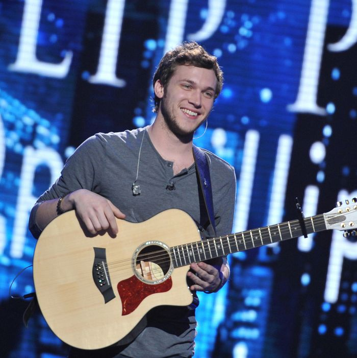 AMERICAN IDOL: Phillip Phillips performs on AMERICAN IDOL airing Wednesday, April 18 (8:00-10:00 PM ET/PT) on FOX.