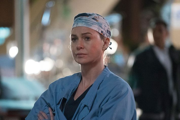 Grey\'s Anatomy Season-13-Finale Recap: Ring of Fire