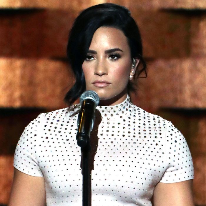 76a6e789173c These GIFs Will Explain the Awkward Feelings You Had During Demi ...