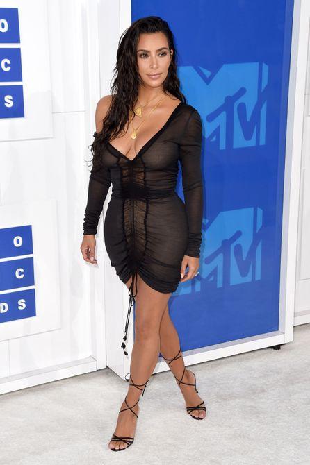 Last night's MTV VMAs red carpet definitely brought the heat