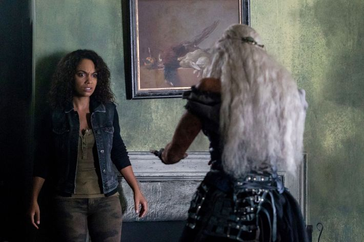 "SLEEPY HOLLOW: (L-R) Nicole Beharie and guest star XXX in the ""In Plain Sight"" episode of SLEEPY HOLLOW airing Friday, Jan. 13 (9:00-10:00 PM ET/PT) on FOX. ©2017 Fox Broadcasting Co. CR: Tina Rowden/FOX"