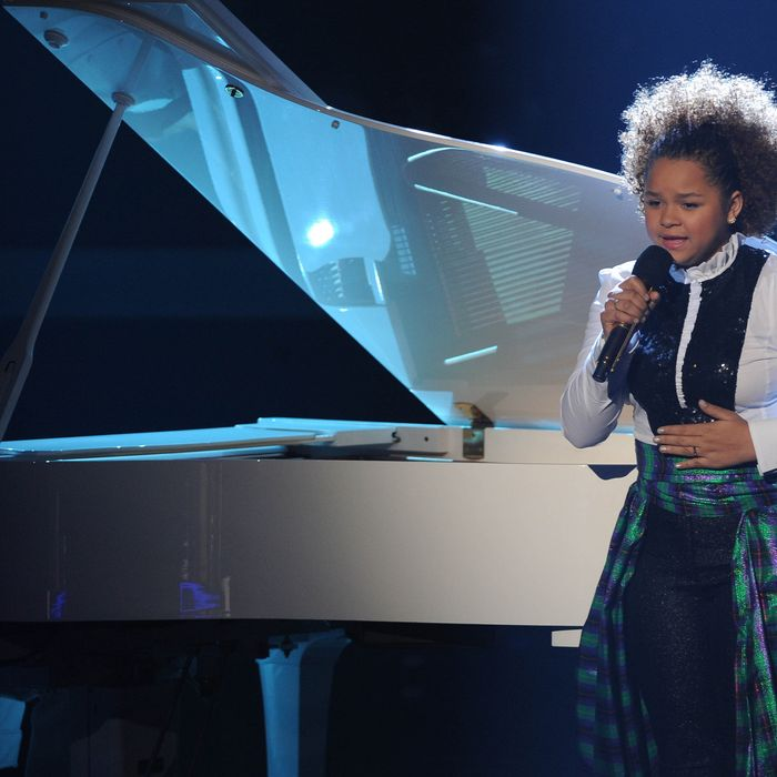 THE X FACTOR: Top 9 Perform: Rachel Crow performs in front of the judges on THE X FACTOR airing on Tuesday, Nov. 22 (8:00-10:00pm PM ET/PT) on FOX. CR: Ray Mickshaw / FOX.