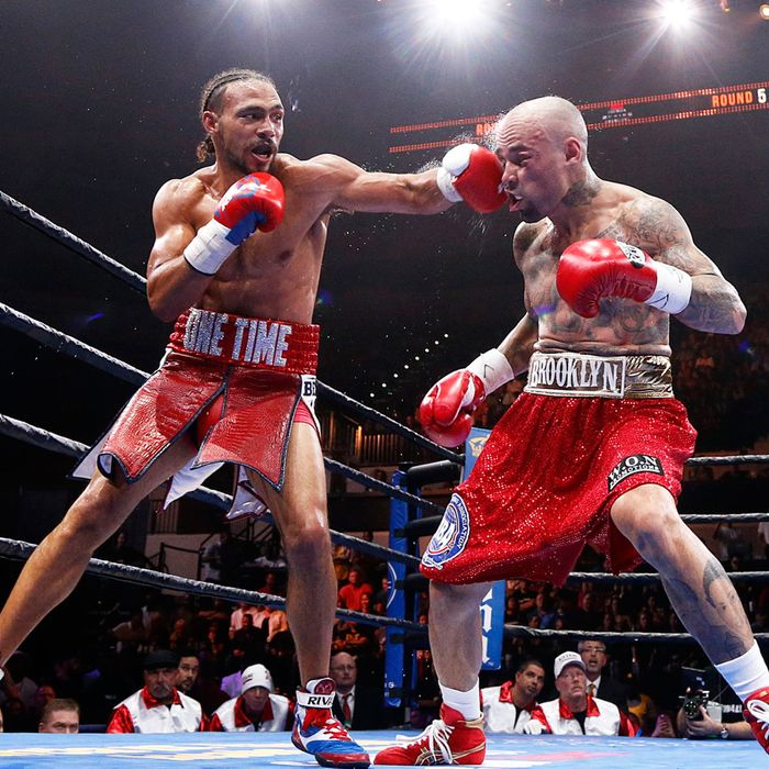 Keith Thurman v Luis Collazo