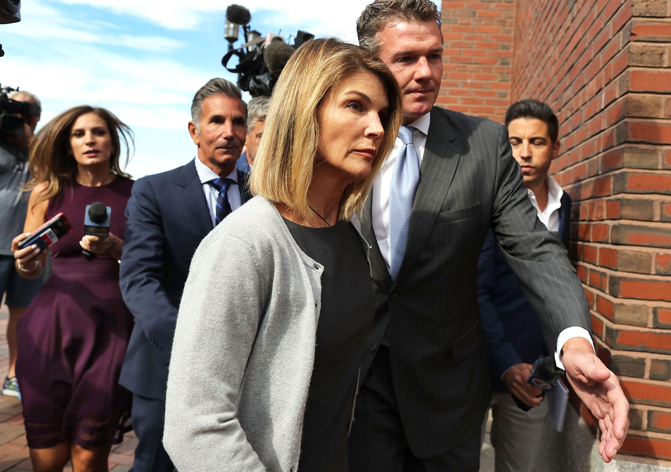 Lori Loughlin Reportedly 'a Wreck' in Prison