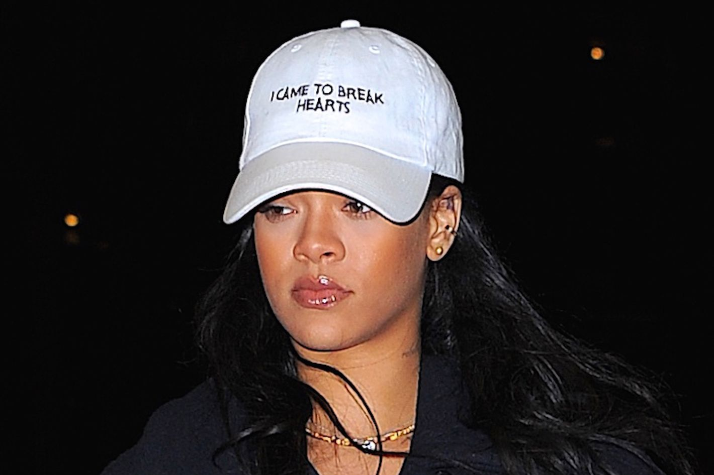 498261858127a Where to Get Rihanna s Dad Hat