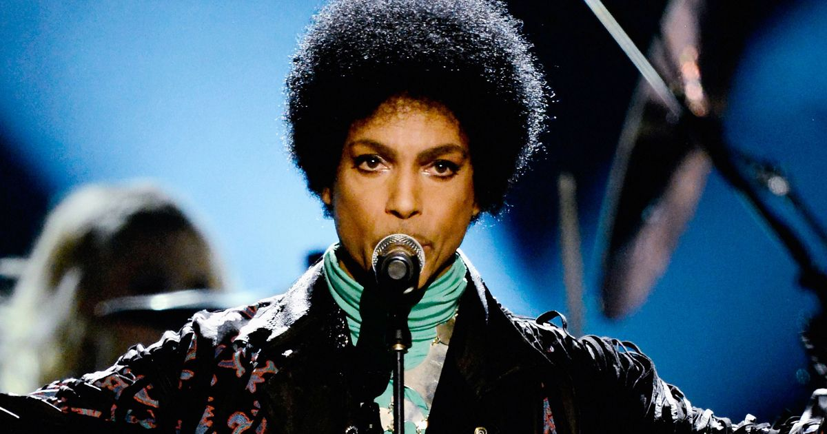 Prince Pays Tribute To Vanity  His Former Prot G At A Solo Concert In Australia
