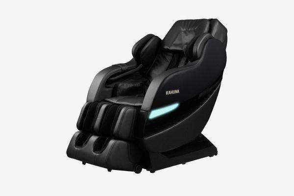 Un fauteuil de massage noir avec