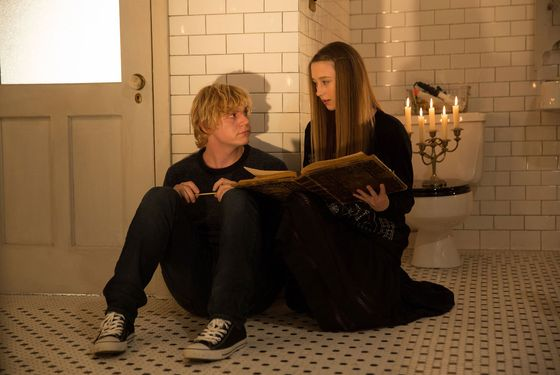 AMERICAN HORROR STORY: COVEN Protect the Coven - Episode 311 (Airs Wednesday, January 15, 10:00 PM e/p) --Pictured: (L-R): Evan Peters as Kyle, Taissa Farmiga as Zoe.