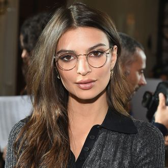 There Is No Love Lost Between Emily Ratajkowski And Donald Trump The Model And Actress Was A Loud And Proud Bernie Sanders Supporter During Last Years