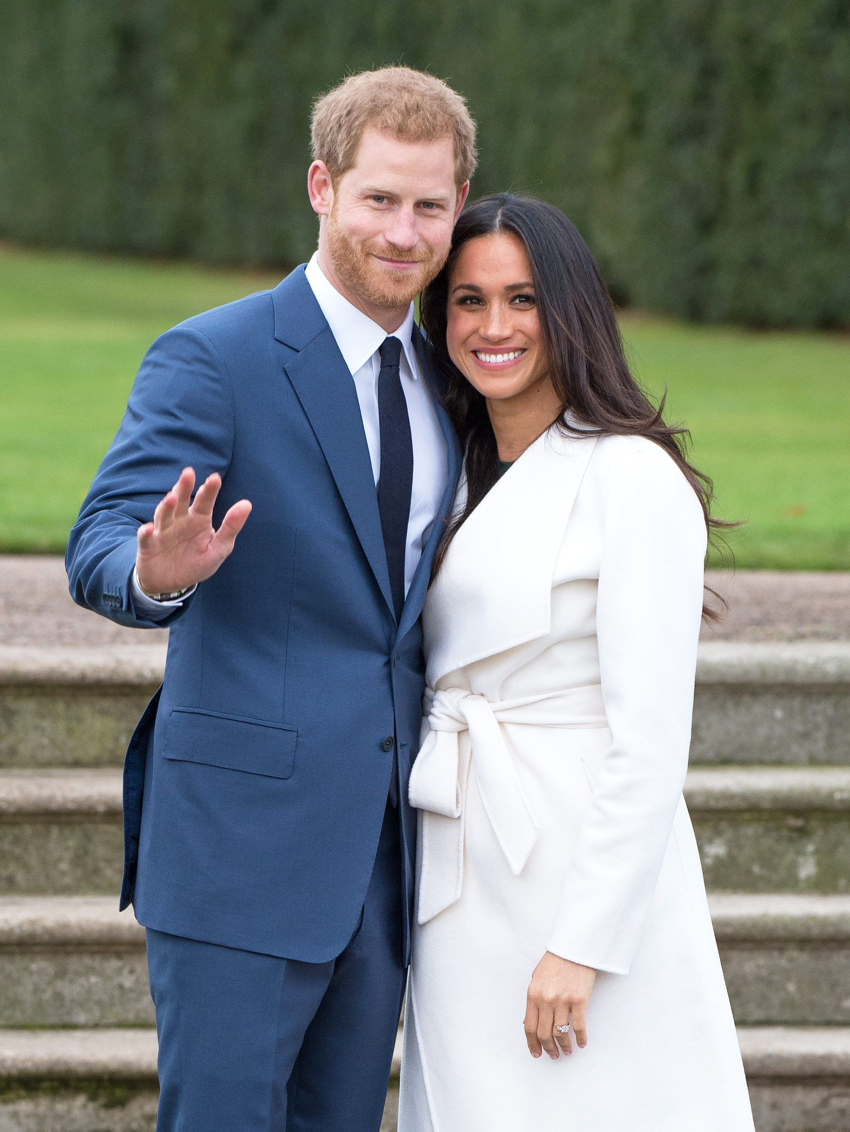 meghan markle and prince harry sign netflix deal meghan markle and prince harry sign
