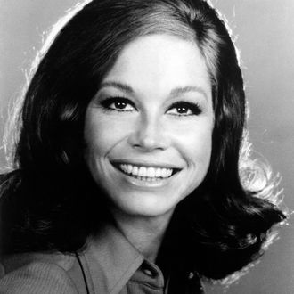 Mary Tyler Moore Smiling