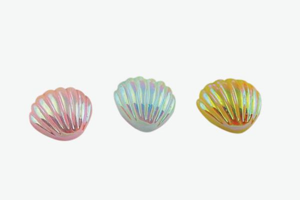 4pc Small Iridescent Pearl Shells
