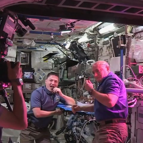 Astronauts Scott Kelly and Kjell Lindgren just munching on some lettuce.