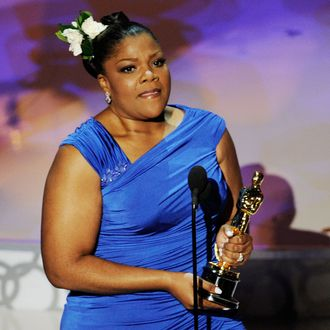 Actress Mo'Nique accepts Best Supporting Actress award for