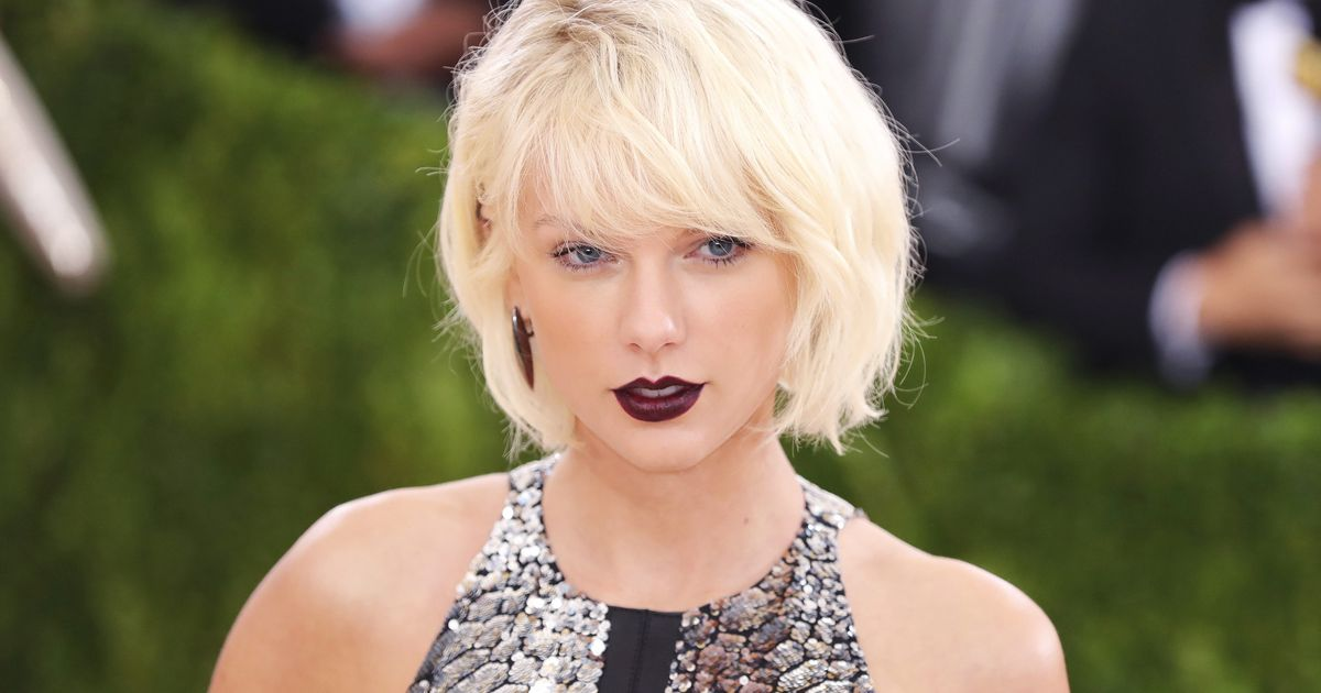 Heres Why Taylor Swift Let The Paparazzi Catch Her Kissing Tom Hiddleston