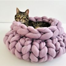 Knitted Chunky Cat Bed