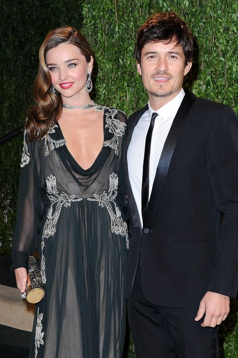 Model Miranda Kerr (L) and actor Orlando Bloom arrive at the 2013 Vanity Fair Oscar Party hosted by Graydon Carter at Sunset Tower on February 24, 2013 in West Hollywood, California.